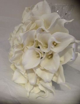 Ivory Calla Lilly Package