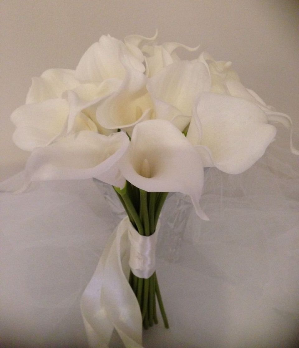 2b146bf0e62d39 CALLA LILY WEDDING BOUQUET 18 STEMS Artificial Flowers IVORY/WHITE ...