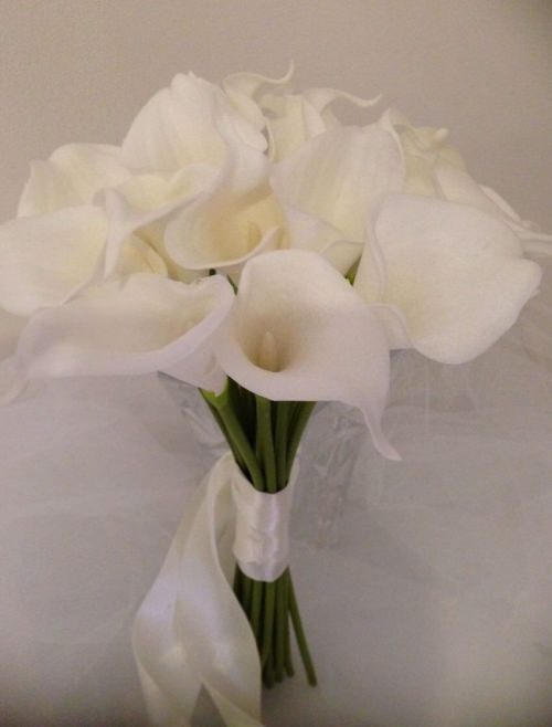 Ivory Calla Lilly Package..