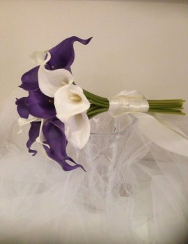 Ivory & Purple Calla Lilly 18 Stem.