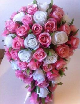 pink-white-roses-teardrop-2
